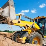 Начало строительства: земляные работы и фундамент
