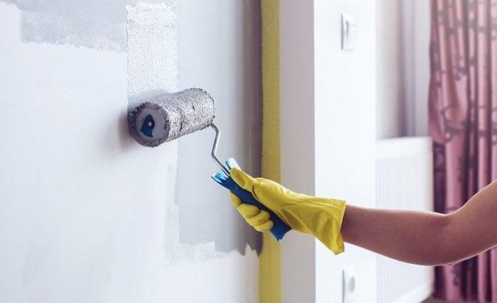 Как провести финишную покраску стен и потолка