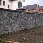 Каменный забор: достоинства и недостатки