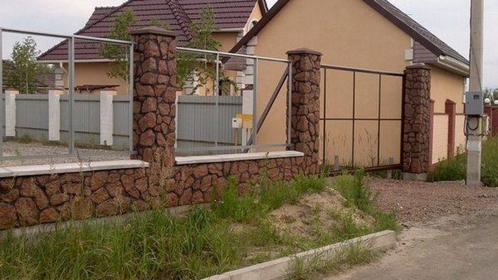 Каменный забор - достоинства и недостатки