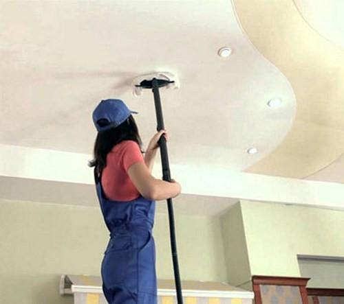 Уход за натяжными потолками в помещении